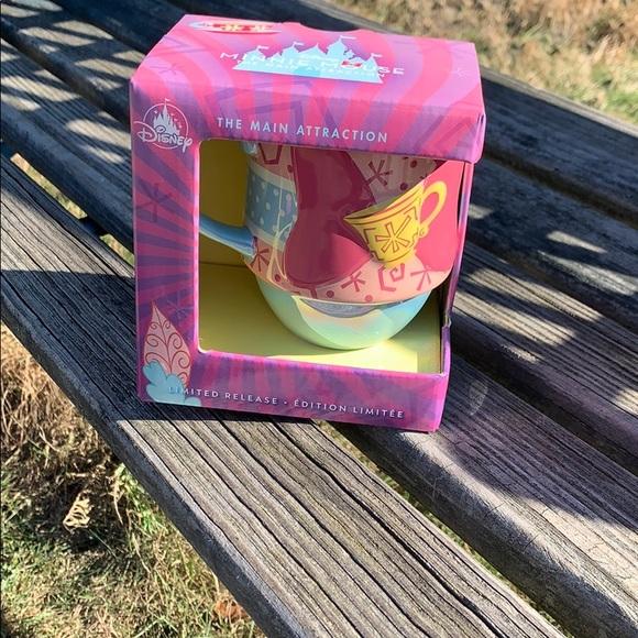 Minnie main attraction #3 tea party mug